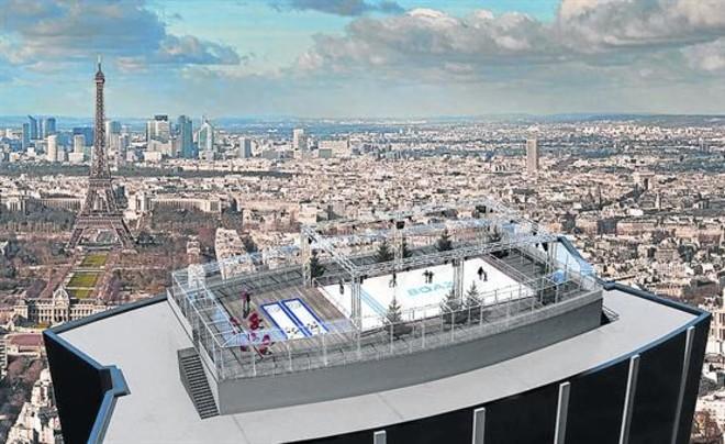 La terraza incluye una pista de 210 metros cuadrados y otras dos minis para practicar 'curling'.