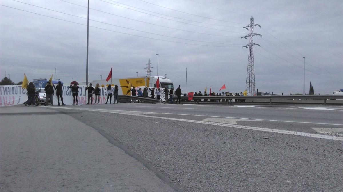 Protesta de estudiantes de la UAB por las tasas.
