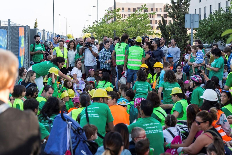 Protesta de padres en Colegio Miguel de Cervantes (Getafe)
