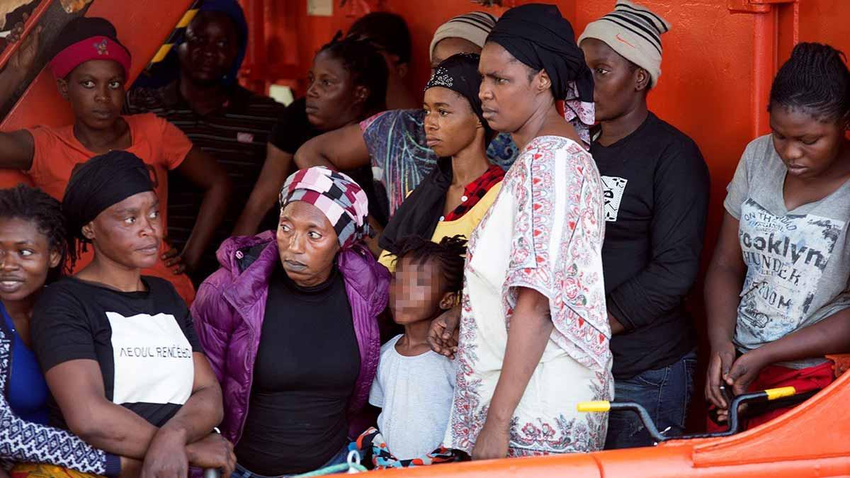 Rescatados más de 500 inmigrantes en el mar de Alborán y en el Estrecho en un solo día.