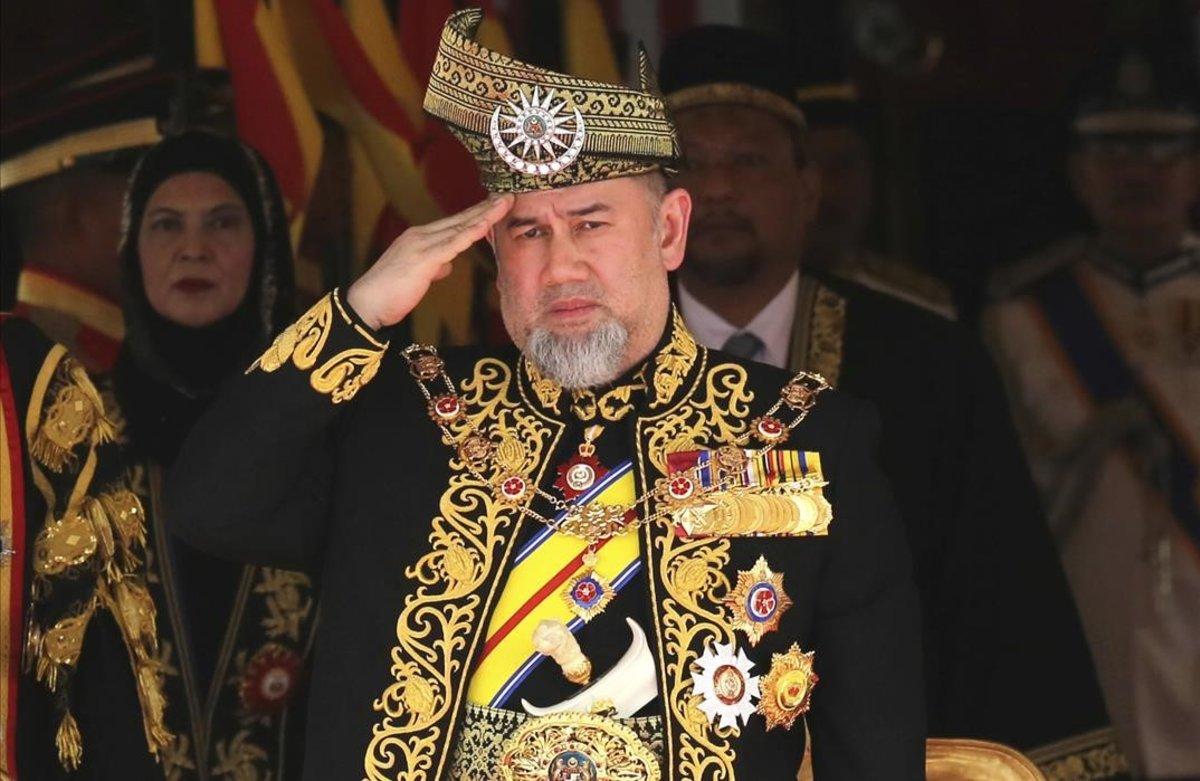 El rey de Malasia, el sultán Mohamed V de Kelantán.