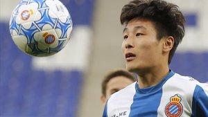 Wu Lei, en su presentación como nuevo jugador del Espanyol el pasado martes.