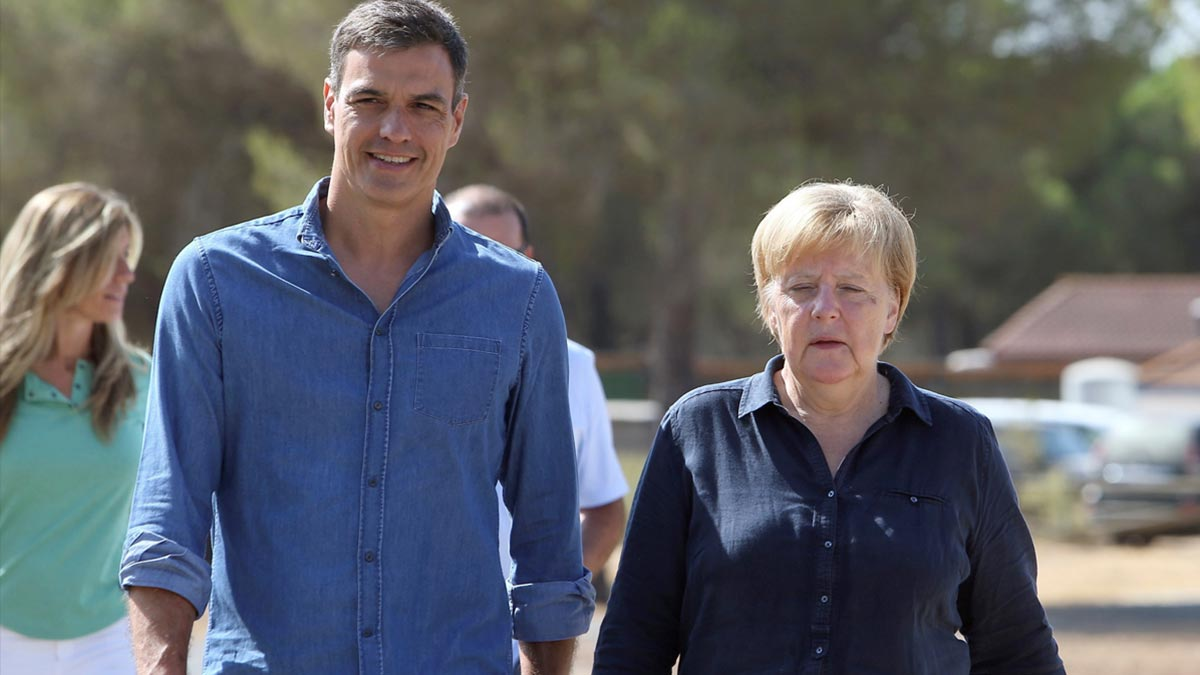 El presidente y la canciller, en la visita de ésta a Doñana.