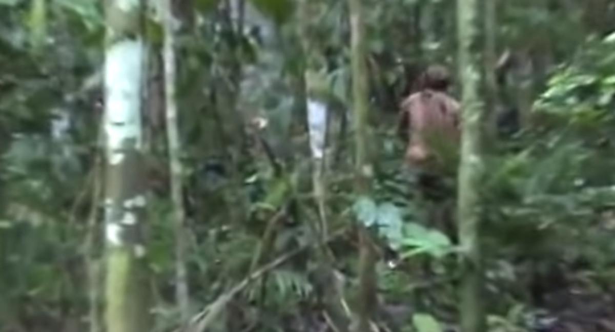 Las impresionantes imágenes del único superviviente de una tribu amazónica