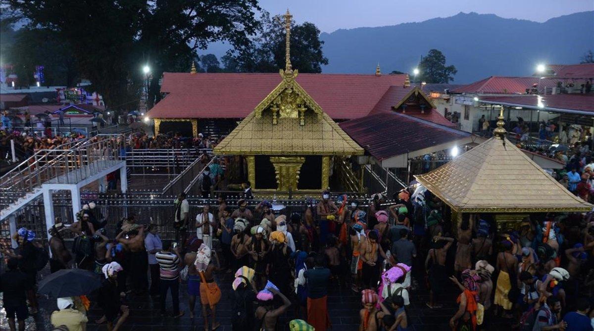 Templo hindú en Sabarimala (India).