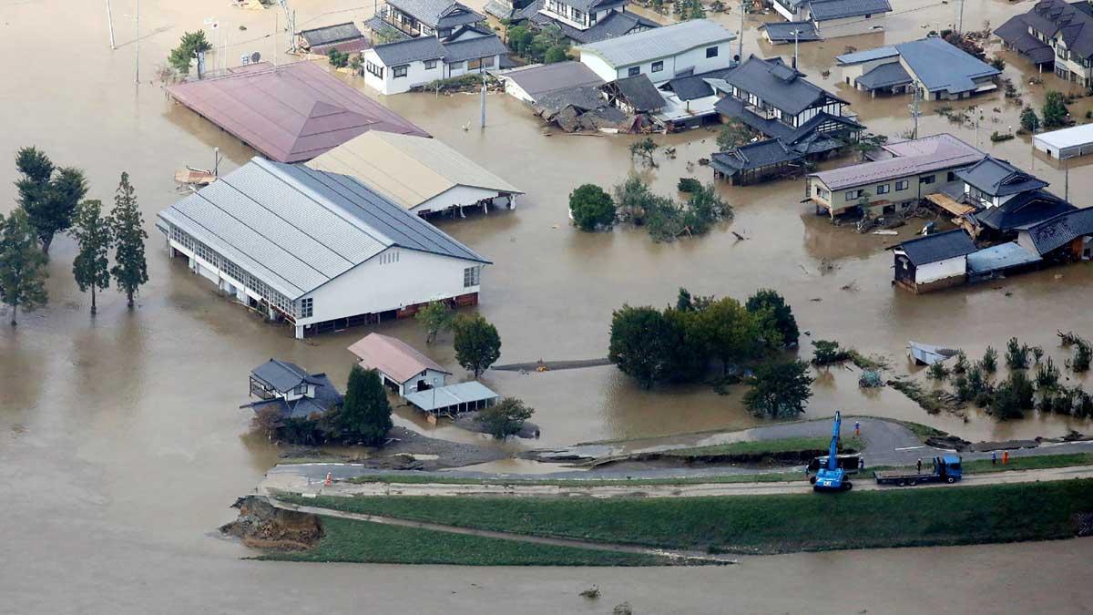El tifón Hagibisdeja al menos 18 muertos en Japón.