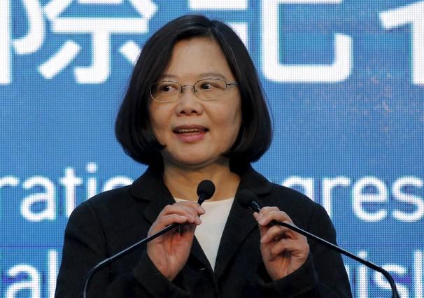 La candidata independentista, Tsai Ing-wen, ganadora de las elecciones en Taiwán se dirige a los medios tras conocer su victoria.