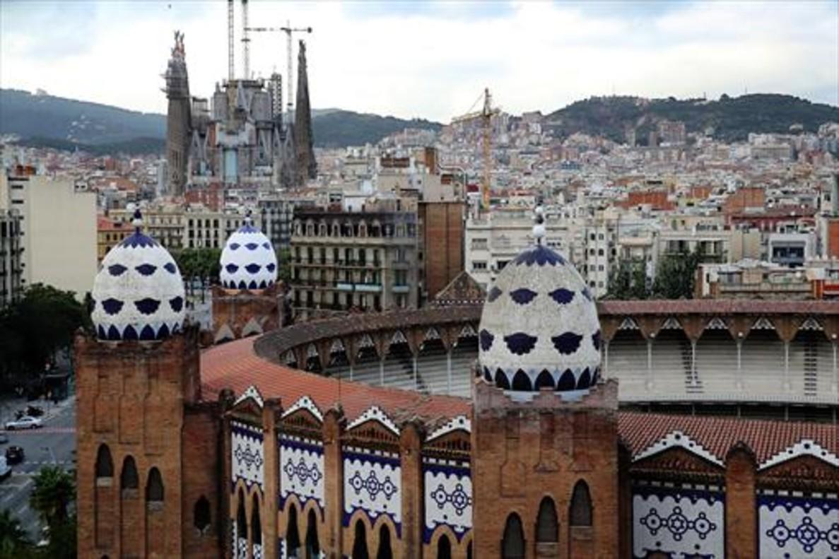 Vista de la plaza de toros Monumental, en la Gran Via de Barcelona.