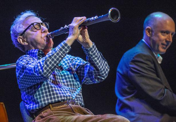 Woody Allen, en plena actuación, anoche en el Liceu.