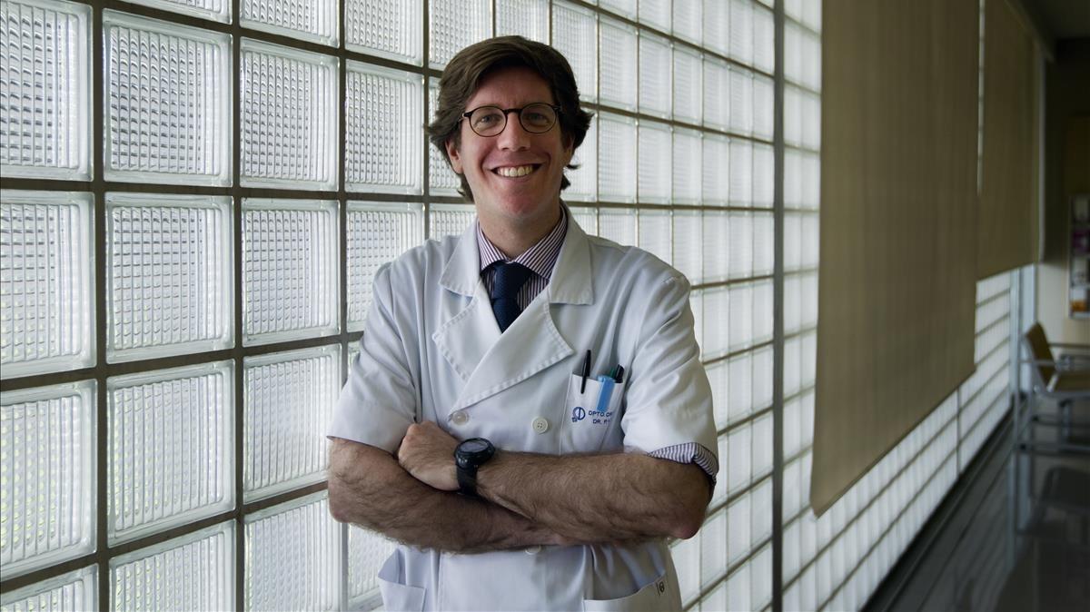 El doctor Pere Barri, pionero en la reconstrucción del clítoris.