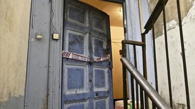Tres heridos a navajazos en una pelea en un narcopiso del Raval