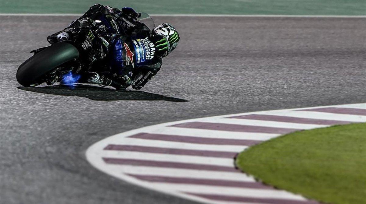 El catalán Maverick Viñales,que se convirtióel sábadoal lograr lapoleen elcampeón de invierno de MotoGP,no tuvo protagonismo alguno.Eso sí,como puede verse,su Yamaha escupía fuego.De rabia.