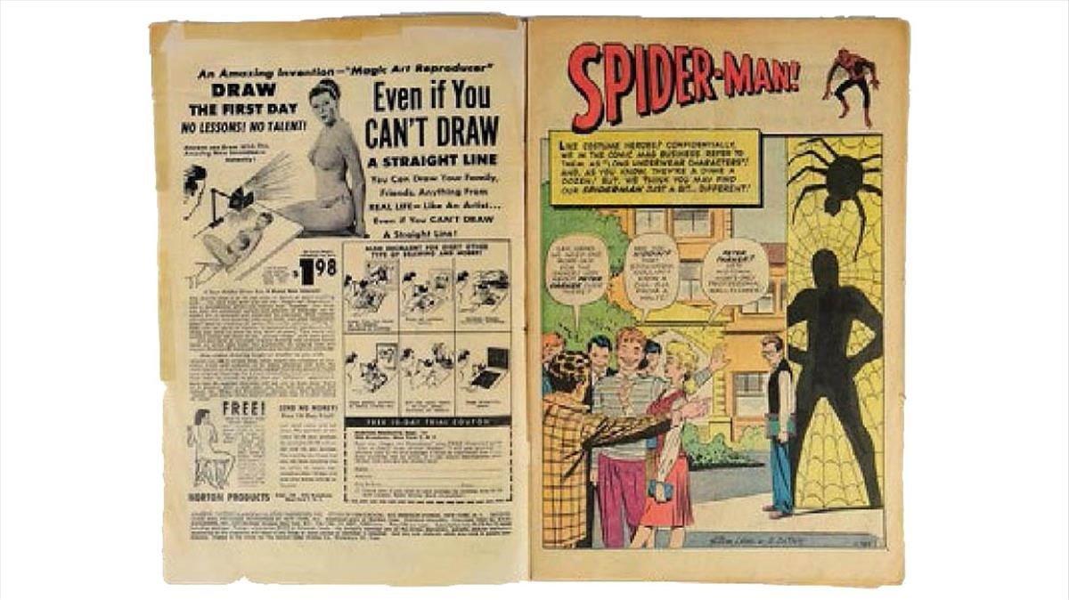 Doble página de'Amazing Fantasy #15', que contiene la primera historia completa de Spider-Man.