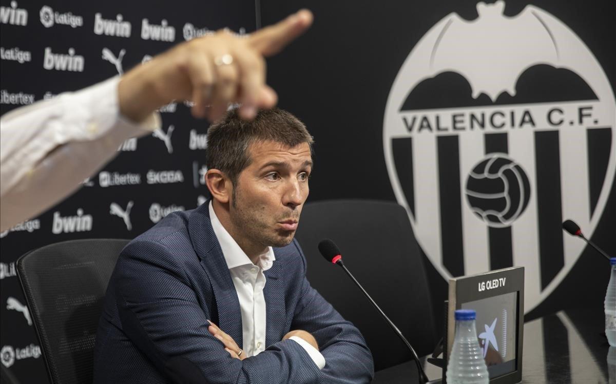 Albert Celades, en su presentación como nuevo técnico del Valencia en sustitución de Marcelino