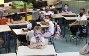 Govern i autonomies certifiquen que les escoles no són focus de contagi