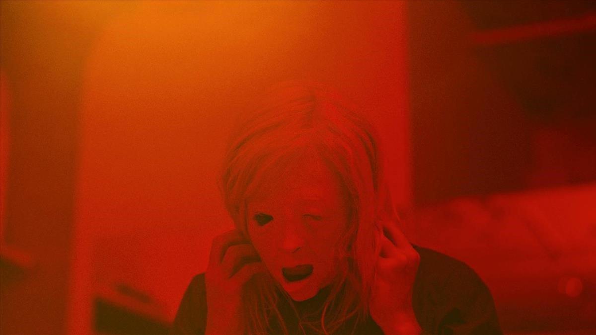 Una imagen de 'Possessor', de Brandon Cronenberg.
