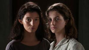 Margherita Mazzuco y Gaia Girace encarnan a las adolescentes Elena Greco y Raffaella Cerullo