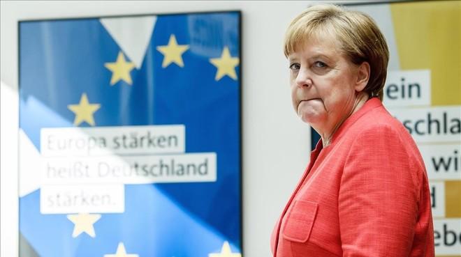 Merkel afronta su peor crisis
