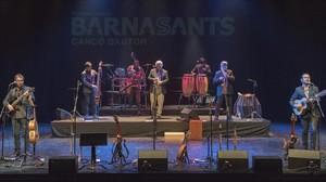 Actuación de Inti-Illiminani en el Teatre Joventut de LHospitalet.