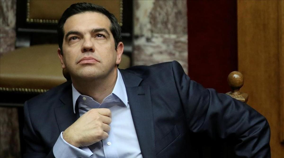 Alexis Tsipras, durante una sesión parlamentaria antes de votarse el presupuesto griego, en Atenas, el 10 de diciembre.