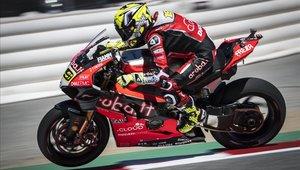Álvaro Bautista sobre su Ducati Panigale V4, con la que ganó las 11 primeras carreras del Mundial de Superbikes.