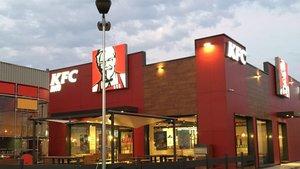Un restaurante de la marca KFC en Vilanova i la Geltrú, gestionado en España por la empresaAmRest.