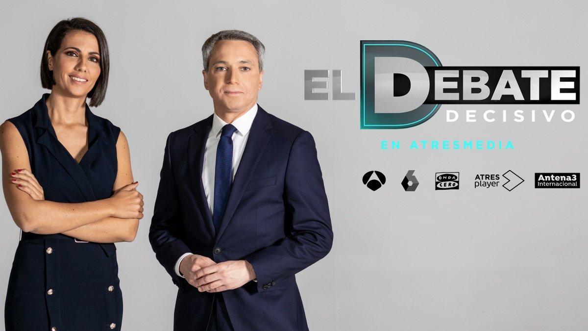 Ana Pastor y Vicente Vallés, moderadores de 'El debate decisivo' en Atresmedia.