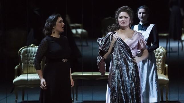 Anna Nebretko en el montaje de Il trovatore de La Fura en París.
