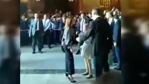 Aparece un nuevo vídeo que, desde otro ángulo, muestra la bronca entre reinas en la catedral del Palma.