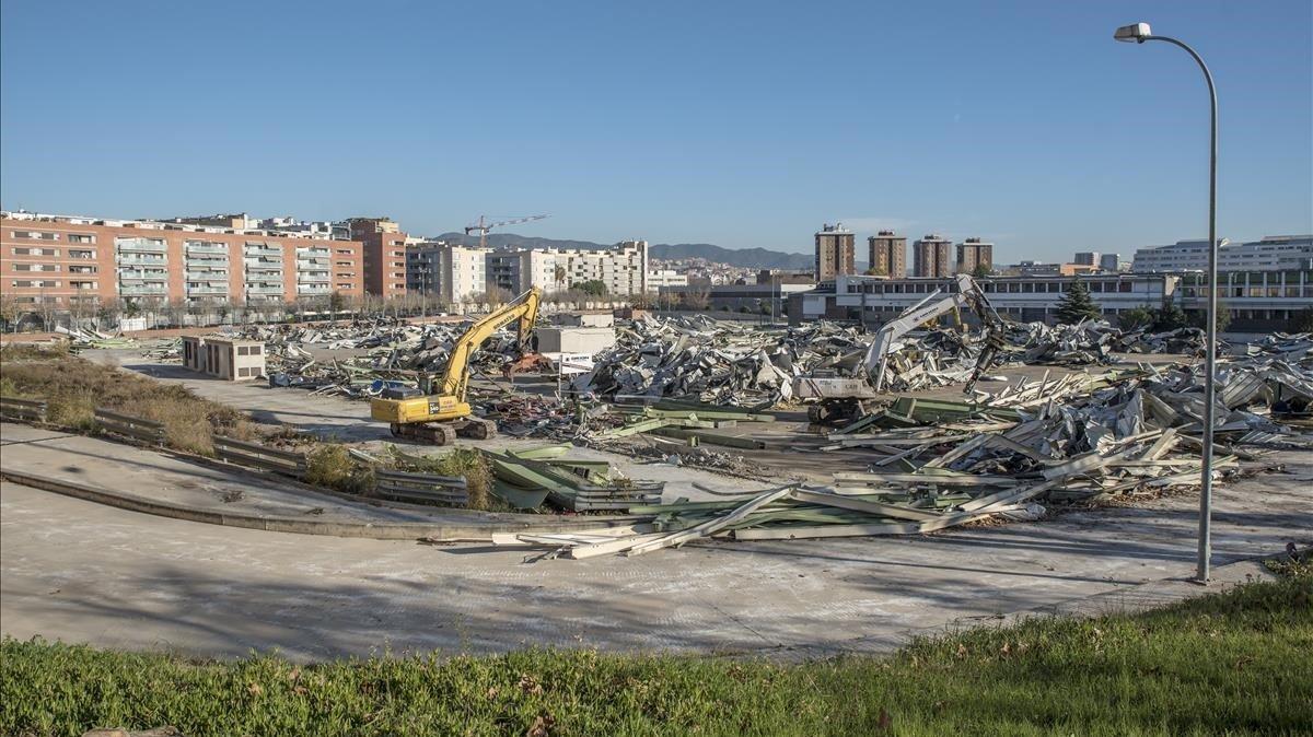 Aspecto actual de la antigua fábrica de Mercedes-Benz tras el derribo de sus naves, esta semana