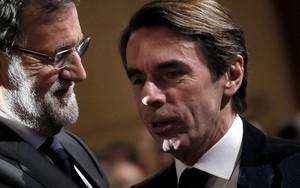 Aznar, junto a Rajoy, en la convención del PP del 2015.