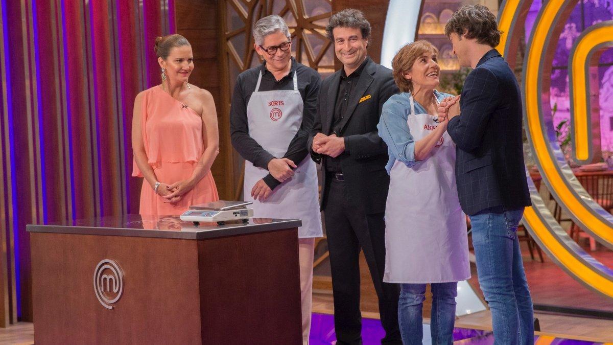 Boris Izaguirre y Anabel Alonso con el jurado de 'Masterchef Celebrity 4'.