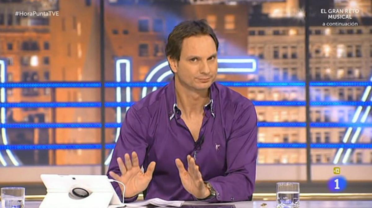 Javier Cárdenas, durante la emisión del programa de Hora Punta, de TVE.