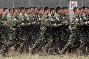 Ejército de China en ejercicios de preparación militar.