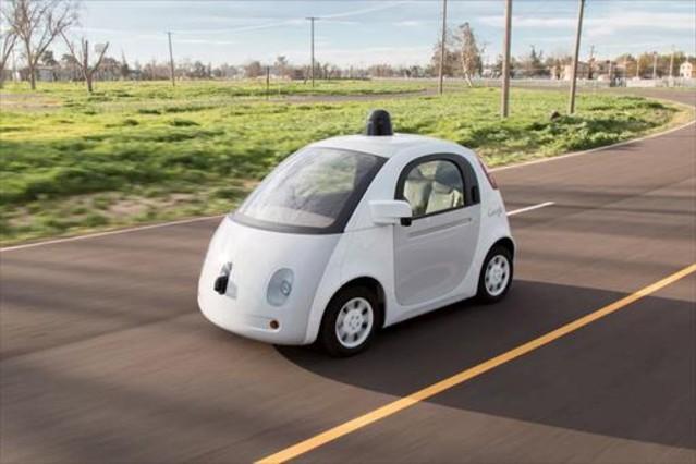 Un coche autónomo de Google (Waymo).