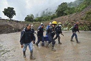 Labores de rescate en Colombia por las inundaciones y lluvias.