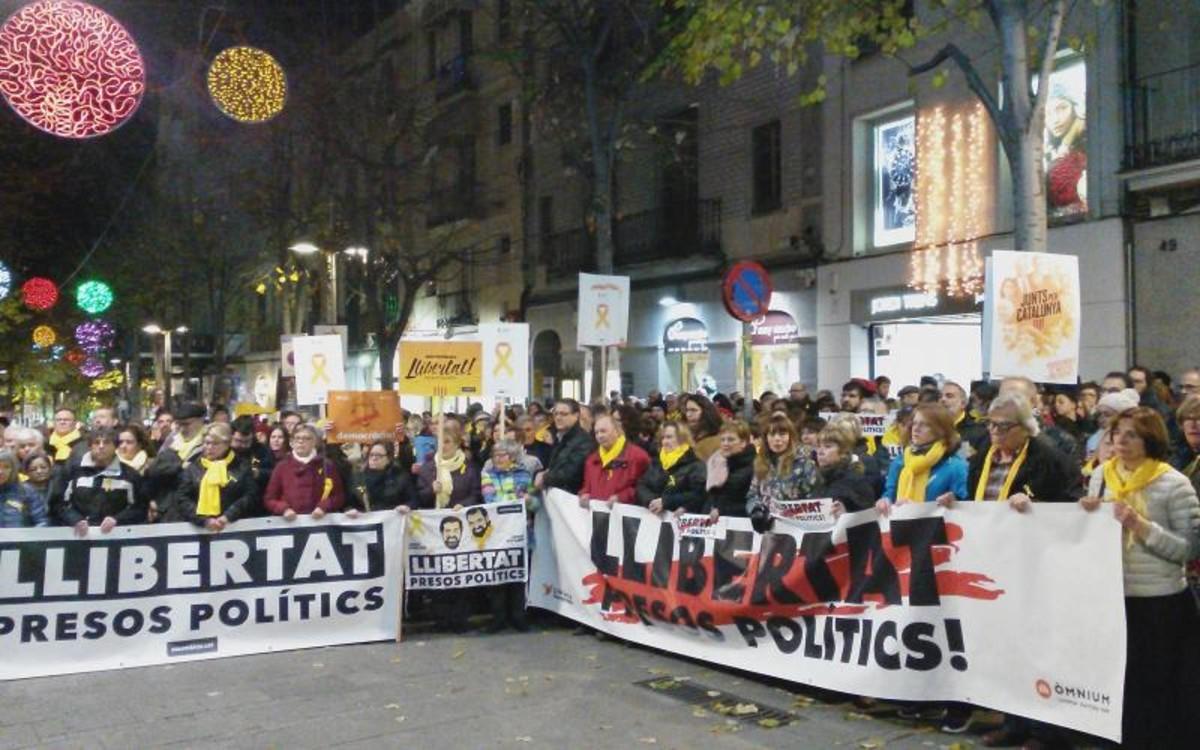 Concentració aMataró per demanarla llibertat delspresos polítics.
