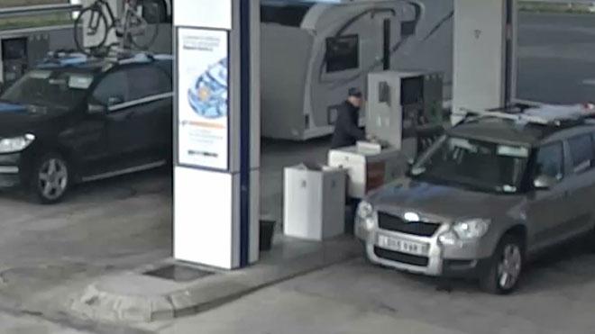 Un detenido por robar en un área de servicio con el método del pincha-ruedas.