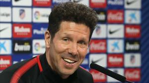 Diego Pablo Simeone en una rueda de prensa con el Atlético de Madrid