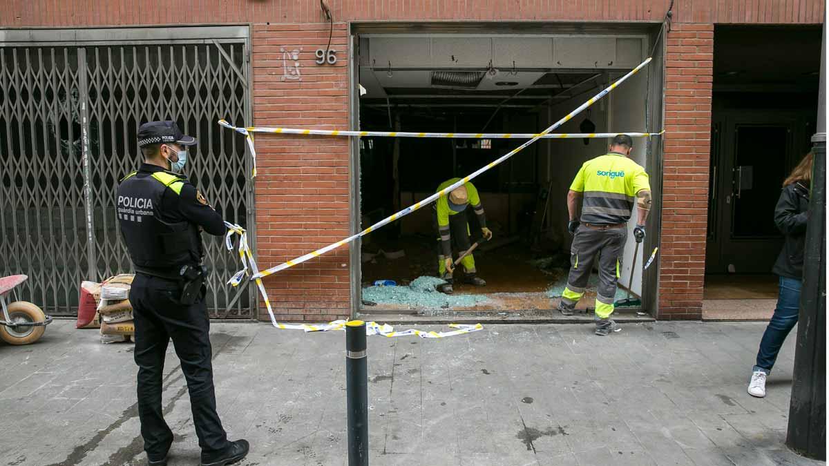 Enfrentamiento entre dos ocupaciones del barrio de Sants de Barcelona.