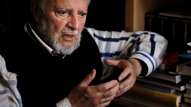 """Julio Anguita: """"L'objectiu és a quatre anys, el BOE en una mà i la ciutadania en peu de guerra"""""""