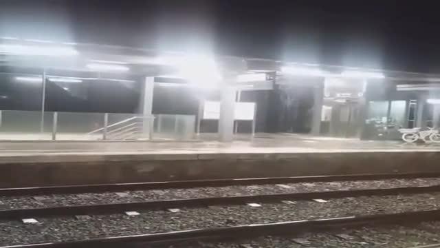 Les onades del 'Gloria' causen danys a l'estació de Renfe a Premià de Mar