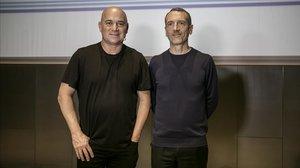 El extenista Andre Agassi y el consejero delegado de Danone, Emmanuel Faber, en Barcelona.