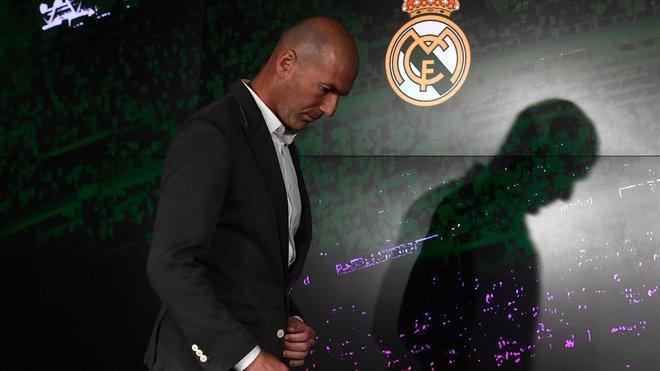 El francés Zinedine Zidane comparece ante los medios de comunicación tras su regreso como entrenador del Real Madrid