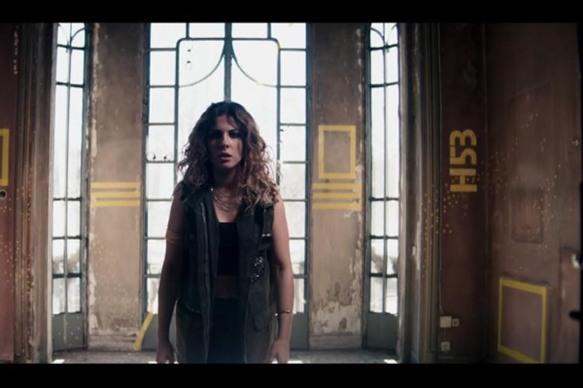 Miriam presenta el videoclip de 'Hay algo en mí', su tema inspirado en 'Vis a vis'