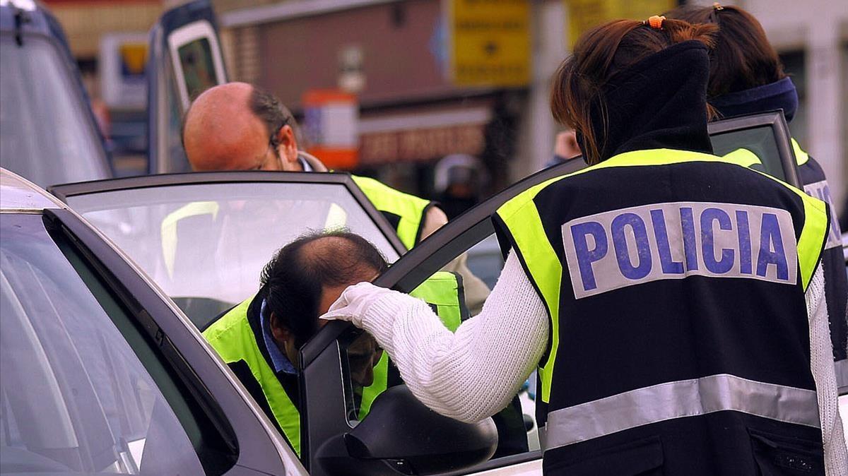 Imagen de archivo de una actuación policial contra una célula terrorista.
