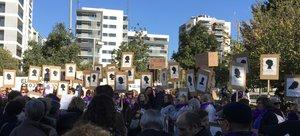 Més de 1.300 persones es mobilitzen al Baix Llobregat contra la violència masclista