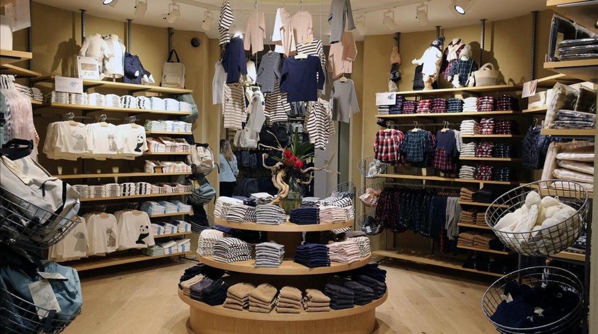 Interior de la nueva tienda de Muji en Barcelona.