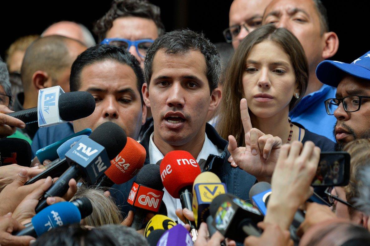 Juan Guaidóel autoproclamado presidente de Venezuela en rueda de prensaPhoto by Luis ROBAYOAFP