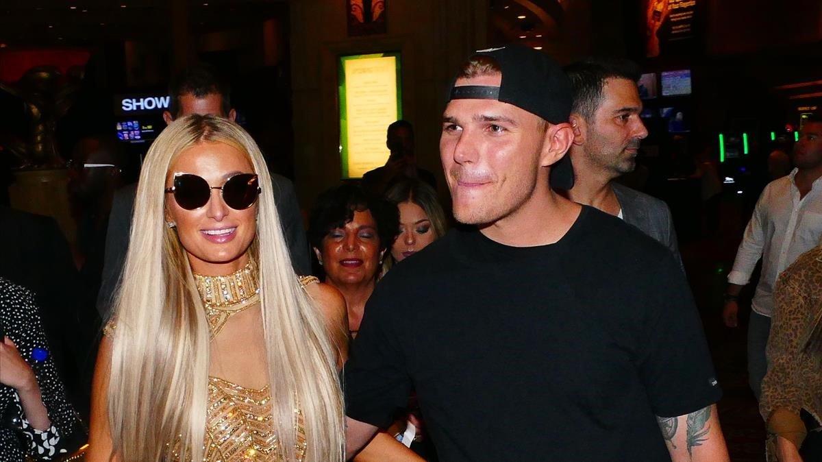 Cancelan su compromiso Paris Hilton y Chris Zylka